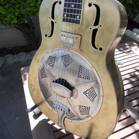 Restauro chitarra Dobo Republic